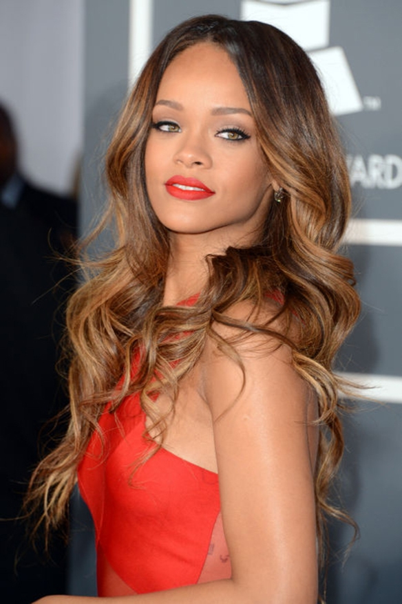 rihanna-grammy-waves-red-lipstick-h724